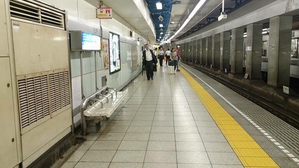 イタリアの地下鉄は簡単