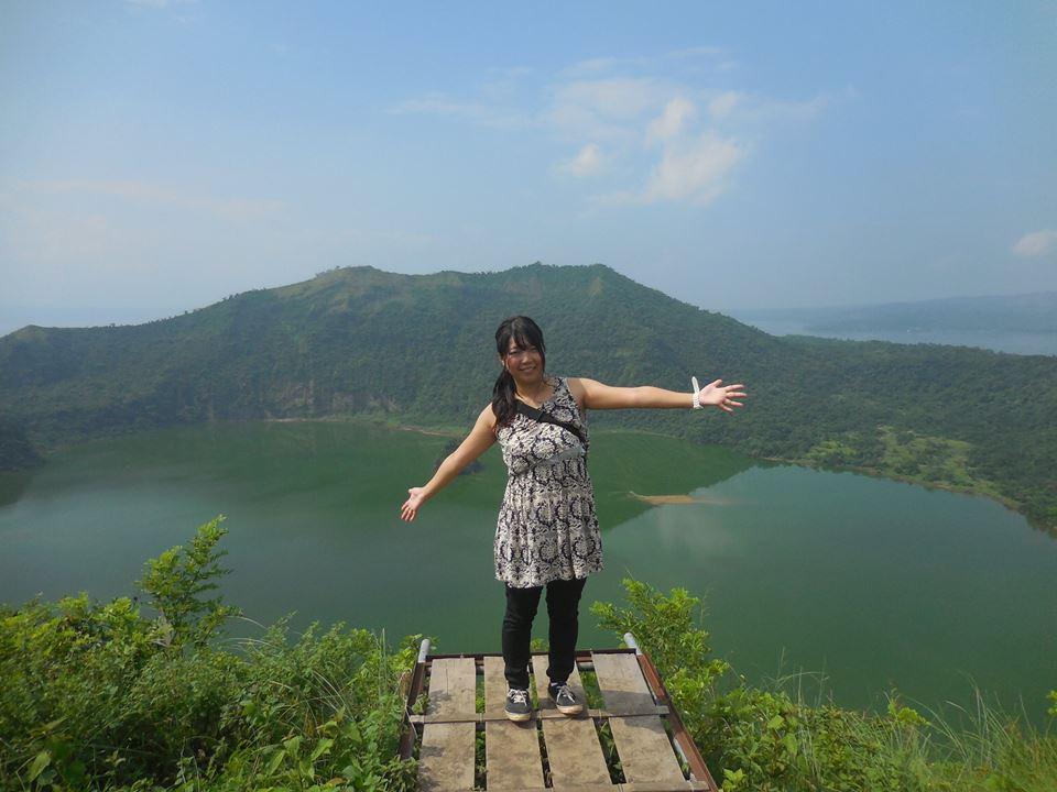 タガイタイ〜世界一小さいタール火山