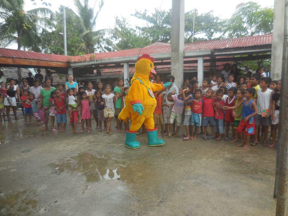 島で行われたクリスマスのギフトイベント_2