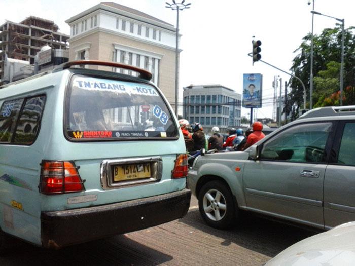 ジャカルタでの給料と生活費について