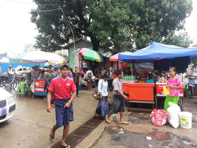 ヤンゴンの人々