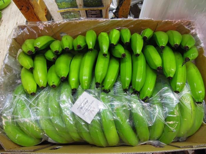 箱詰めされたバナナ