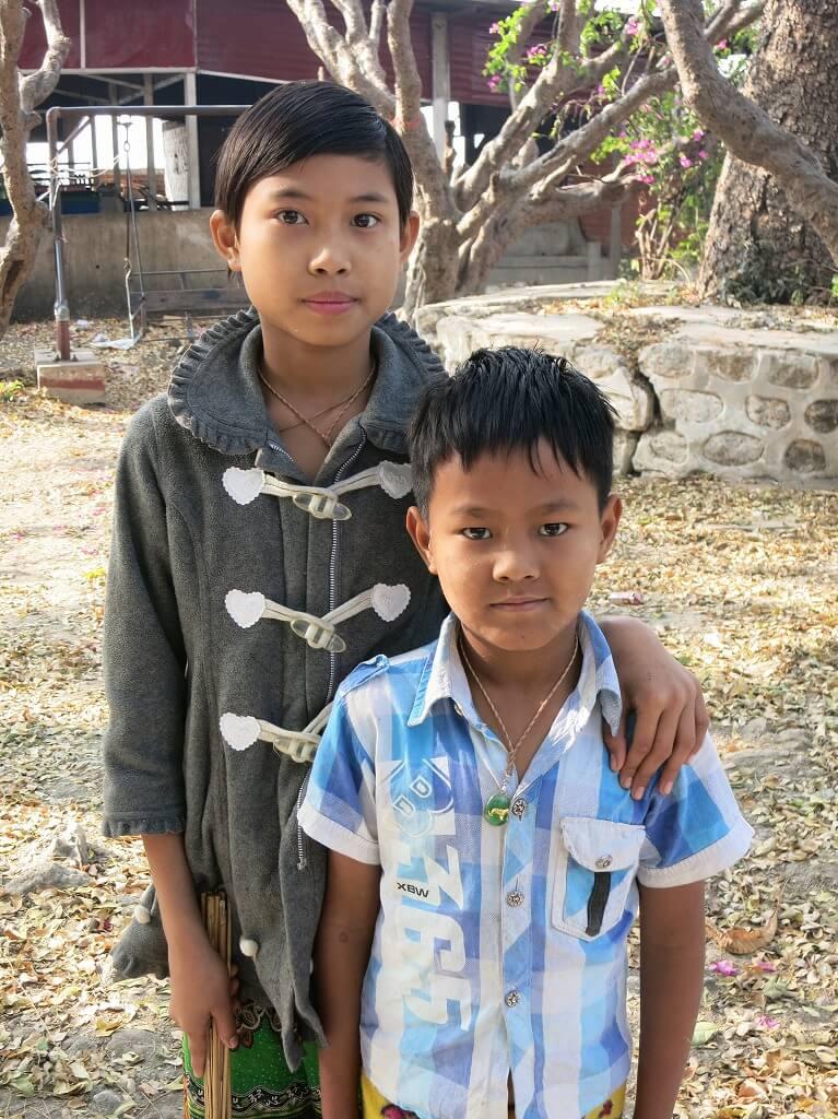 ミャンマーで日本軍慰霊碑を守るマンダレーの子どもたち