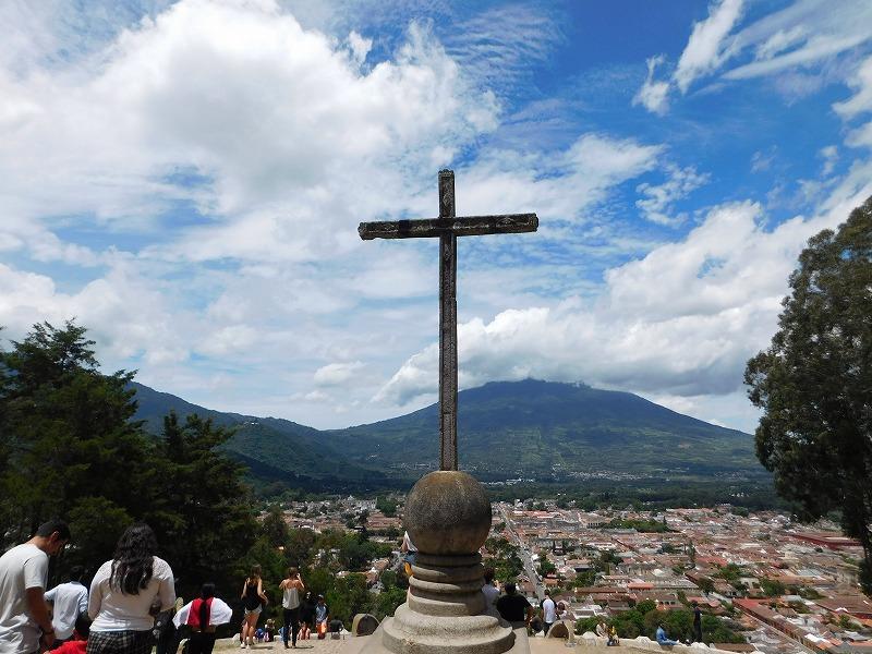 グアテマラの観光都市アンティグアの魅力