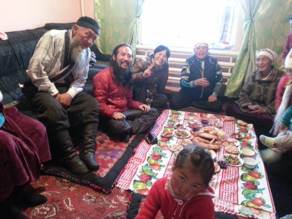 キルギス南部の村サリタシュでホームステイ
