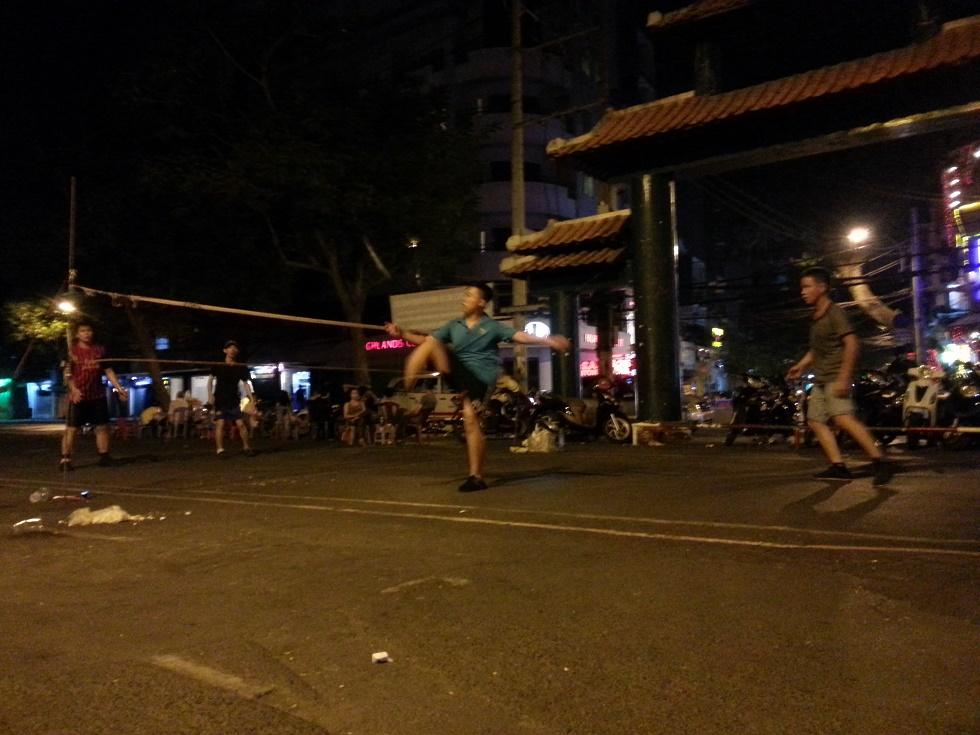 ベトナムで人気No.1スポーツ「ダーカウ」
