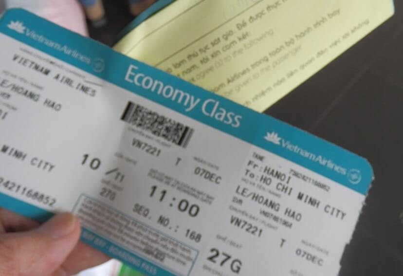 世界一周中に暴漢に襲われることもあれば、旅行中に飛行機のチェックインが遅れることも