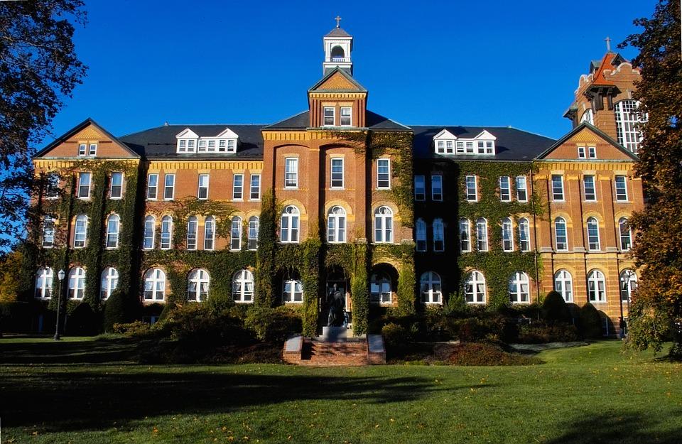 海外大学へ進学するならどこの国?