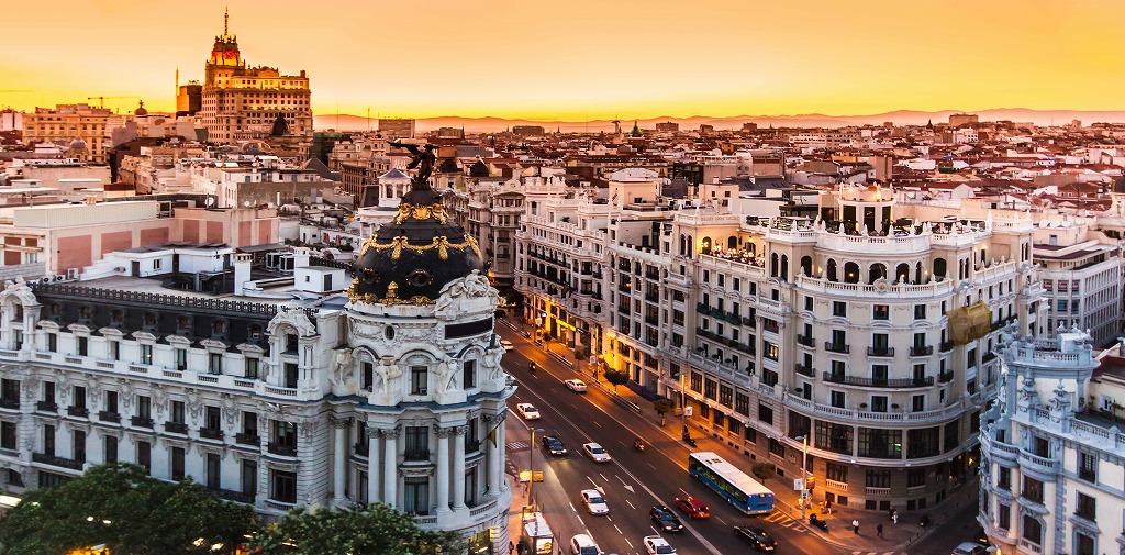 どの都市の学校で勉強しようか…マドリード?バレンシア?バルセロナ?