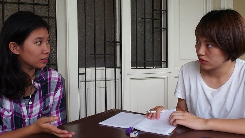 ①事前リサーチ:フィリピン人講師とフィールドワークのテーマを選定し、必要な知識を学んでいきます。